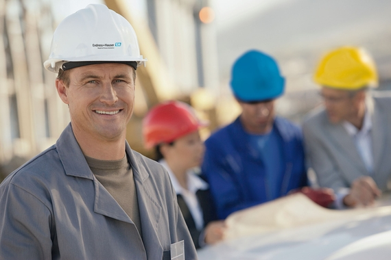 On-site embedded engineer of Endress+Hauser at the plant for critical applications